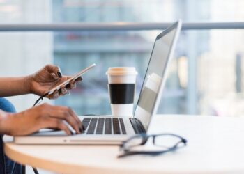 Why you should add a business line to your smartphone