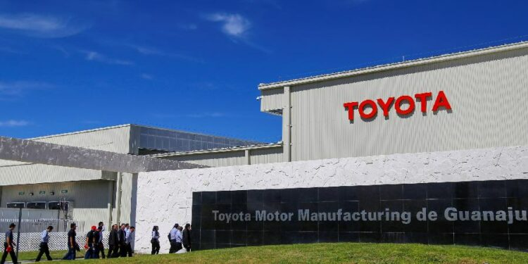 Toyota plans to spend $13.5 billion to develop electric vehicle batteries