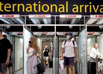 More than 300,000 UK arrivals suspected of breaking quarantine rules