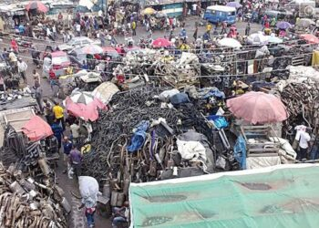 Lagos to shut down markets for waste dumping and being dirty
