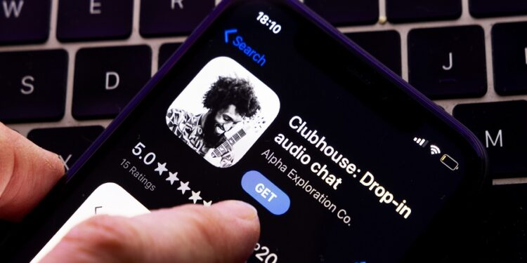 Social audio app, Clubhouse launches Wave, a new way to start a private chat