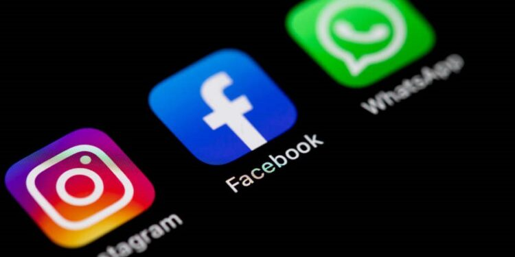 WhatsApp, Facebook and Instagram are currently down