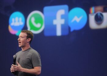 Facebook founder, Zuckerberg, loses $6 billion as Whatsapp, Instagram experienced technical issues